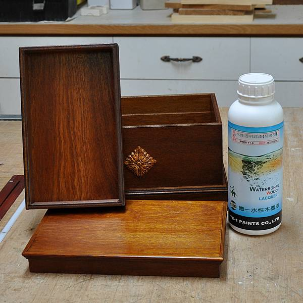木作品上漆過程 (6).JPG