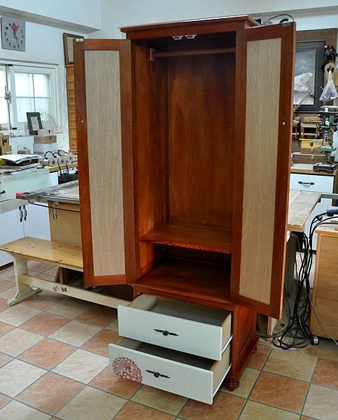 高高瘦瘦的衣櫥 (16).JPG