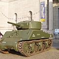 戰爭博物館前的坦克