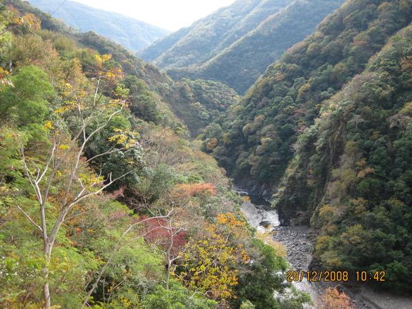 過巴陵之後的溪谷