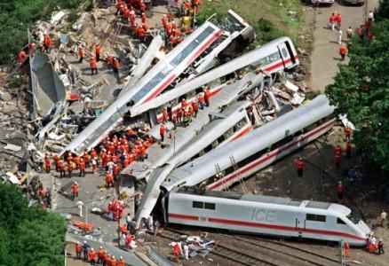 德國高鐵事故ICE-438x300
