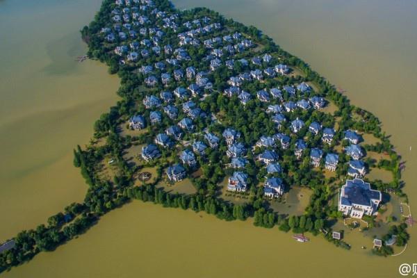7月洪水,武漢別墅區成孤島