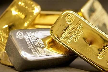 Umicore__silver_gold_bars.197193947 (自訂).jpg