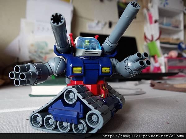 鋼坦克製作_12.JPG