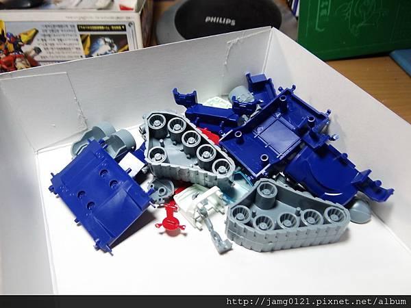 鋼坦克製作_18.JPG