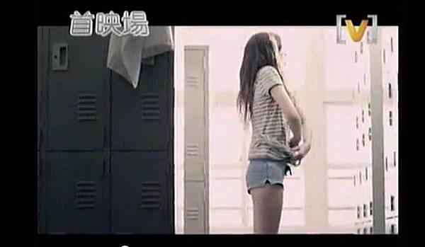 安心亞-戀愛應援團MV-04.jpg