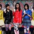 r-Dancing Dolls.JPG