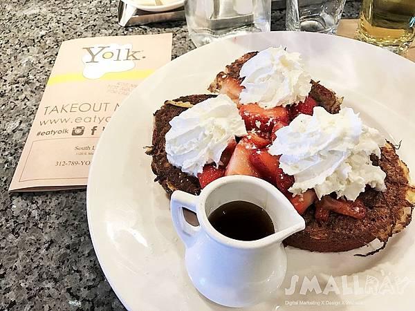 芝加哥早午餐廳推薦Yolk-紅絲絨法式吐司Red Velvet French Toast-芝加哥行程推薦,芝加哥行程攻略
