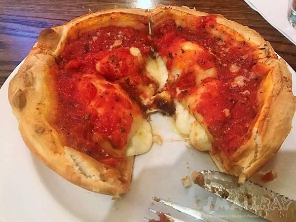 芝加哥知名連鎖披薩店之一Giordano's Pizza-芝加哥披薩推薦,芝加哥美食推薦
