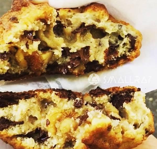美國紐約銅板美食推薦-紐約好吃高CP值平價銅板美食-10-Levain-Bakery-巧克力爆漿餅-中央公園附近-Chocolate-Chip-Walnut巧克力核桃餅