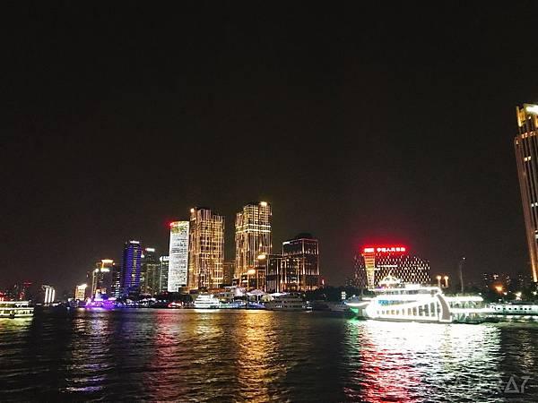 上海外灘搭遊船-金陵東路渡口-上海旅遊-上海天際線-中國魔都上海四天三夜超順路旅遊攻略懶人包,上海必去景點規劃推薦!