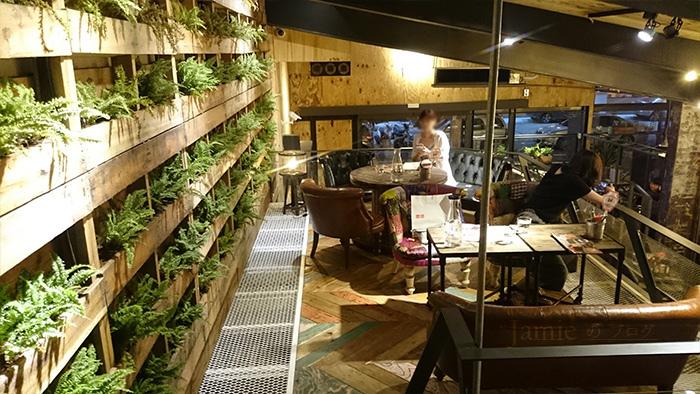 紐澳良餐廳2F座位.jpg