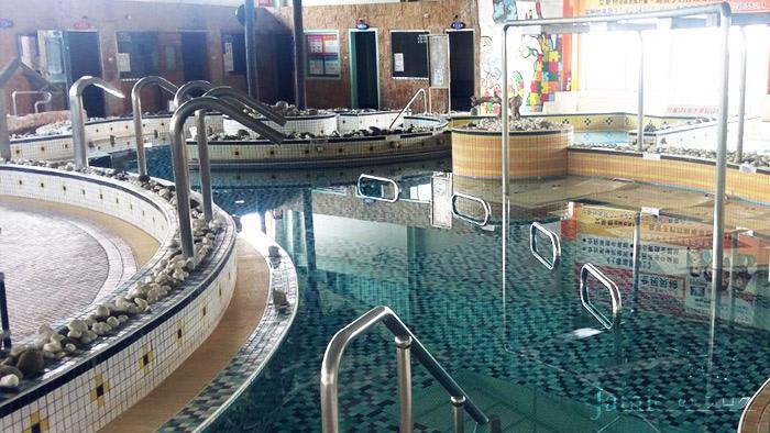 kaohsiung_pool_07.jpg