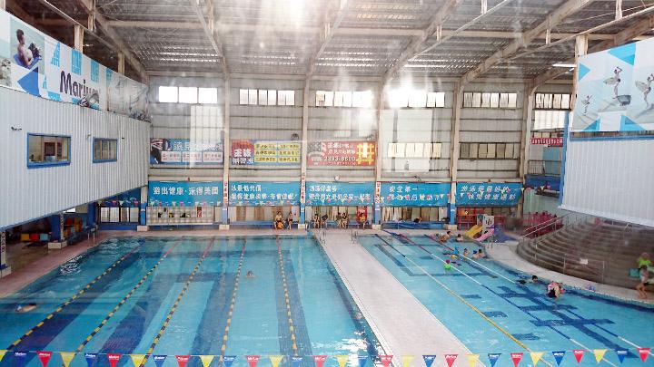 洋洋游泳池全景.jpg