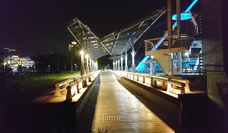 Kaohsiung-pier_02.jpg