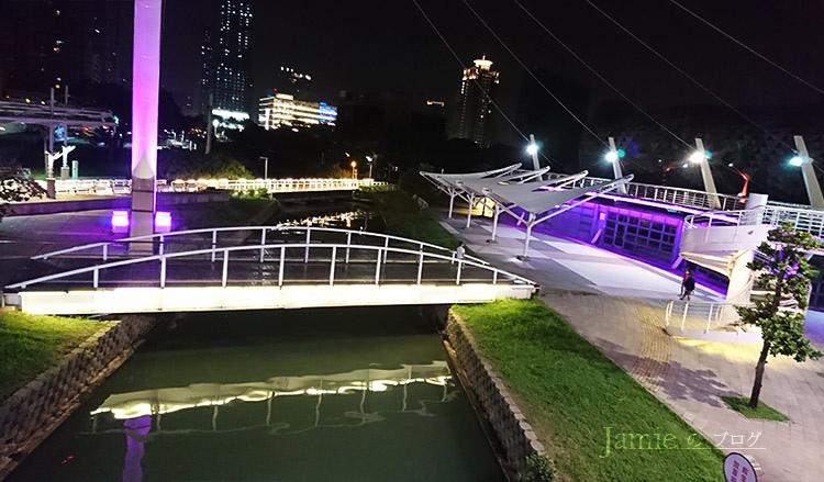 Kaohsiung-pier_09px.jpg