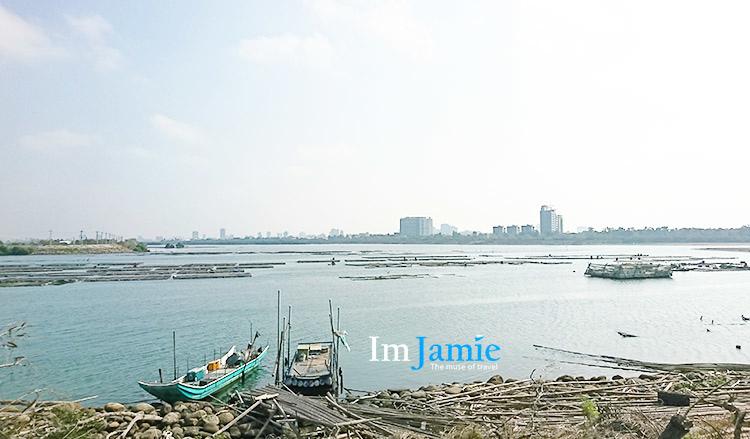 魚塭漁船 雜物竹子的海岸.jpg