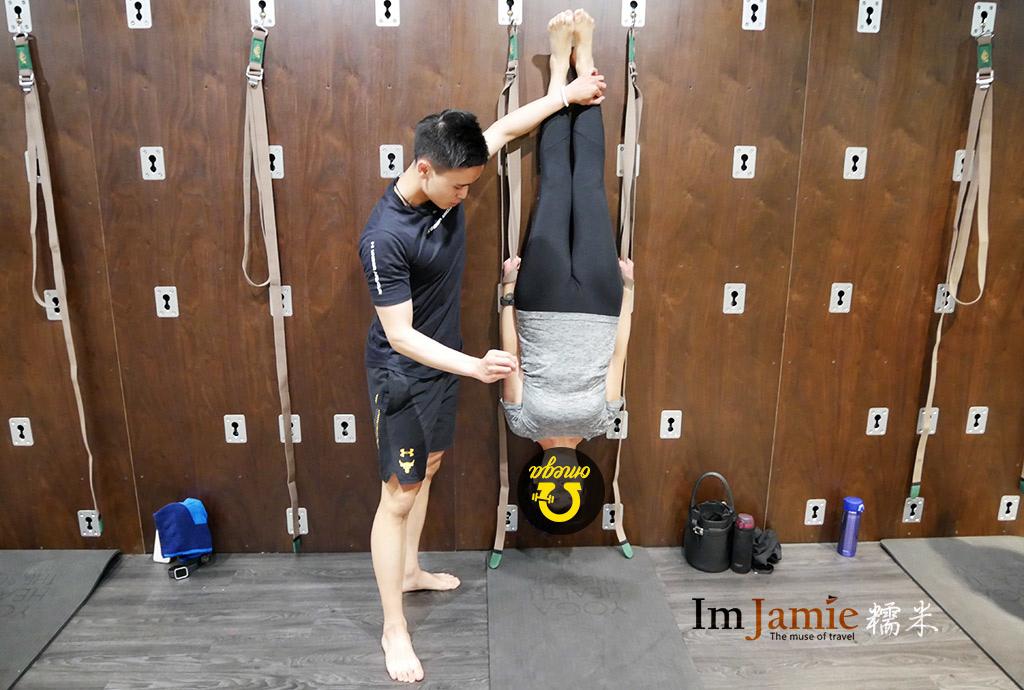 OMEGA瑜珈牆課程倒立ALLEN老師教練.jpg