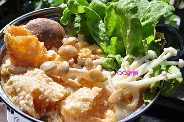 泡菜豆漿蔬食小火鍋