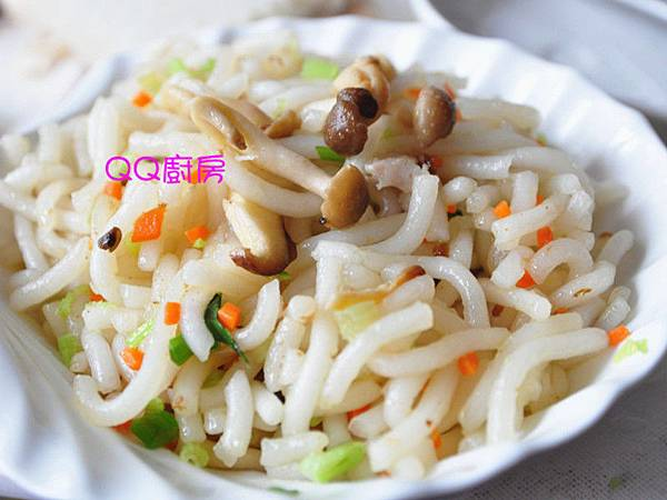 肉燥菇菇炒手工米苔目
