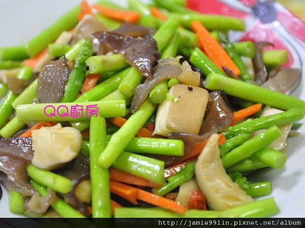 蘆筍時蔬炒杏鮑菇