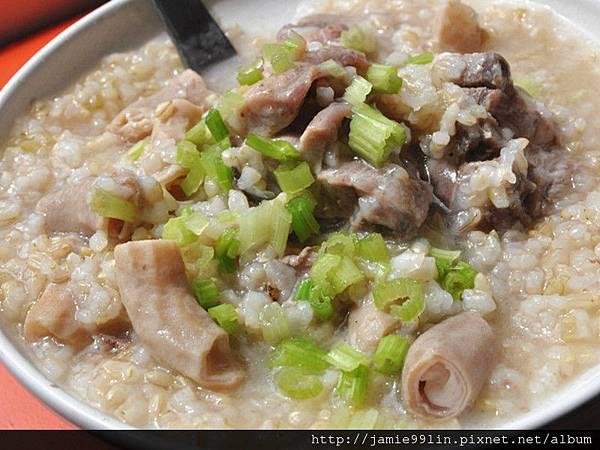 糙米豬腸排骨粥