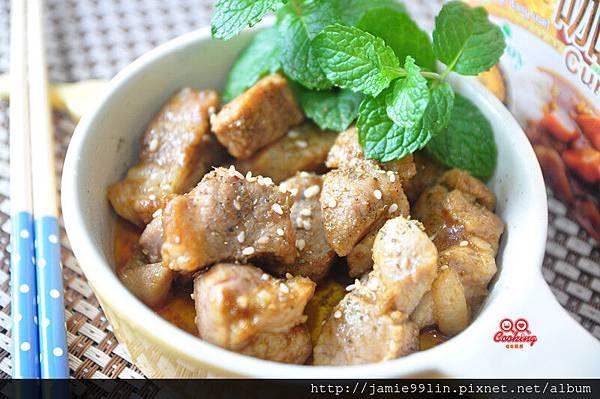 蒜粒咖哩乾煎豚肉塊