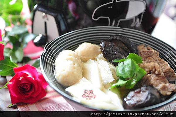 鮮筍魚丸燉排湯