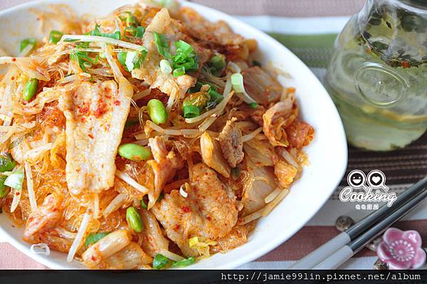 泡菜豚片炒冬粉