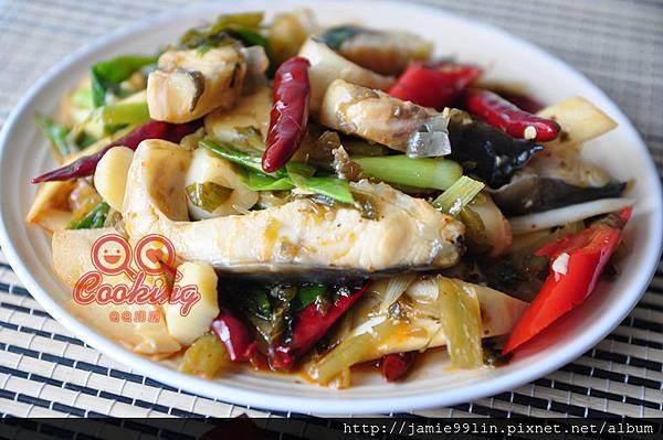 香辣酸菜鱘魚片