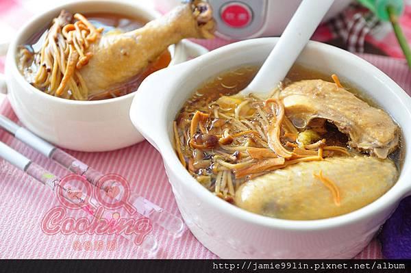 菌菇燉雞湯