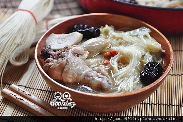 麻油燒酒雞蔬菜麵線