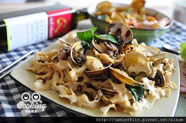 塔香蘑菇拌麵