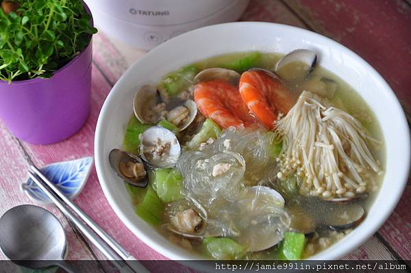 蛤蜊絲瓜冬粉
