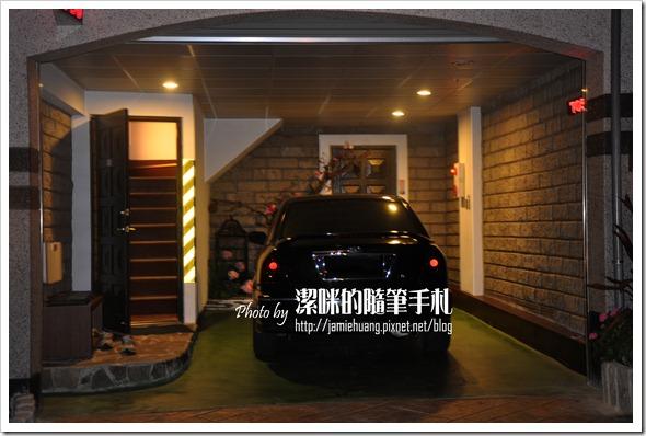 儷閣別墅旅館車庫及入口