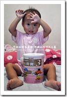 金荷寶幼兒成長奶粉與璇璇合照