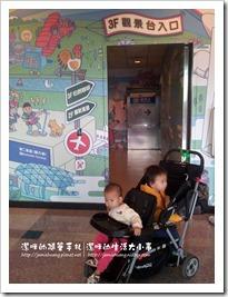 松山機場觀景台之上樓入口處