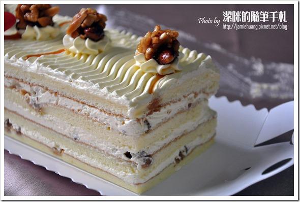 世唯幸福彌月蛋糕之香草核桃側面照