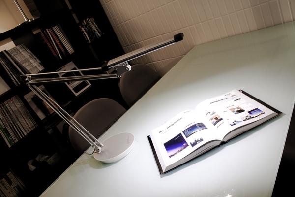 Slimline-Desk-001.jpg