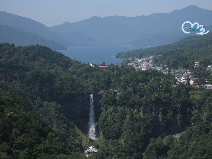 遠眺中禪寺湖與華嚴瀑布