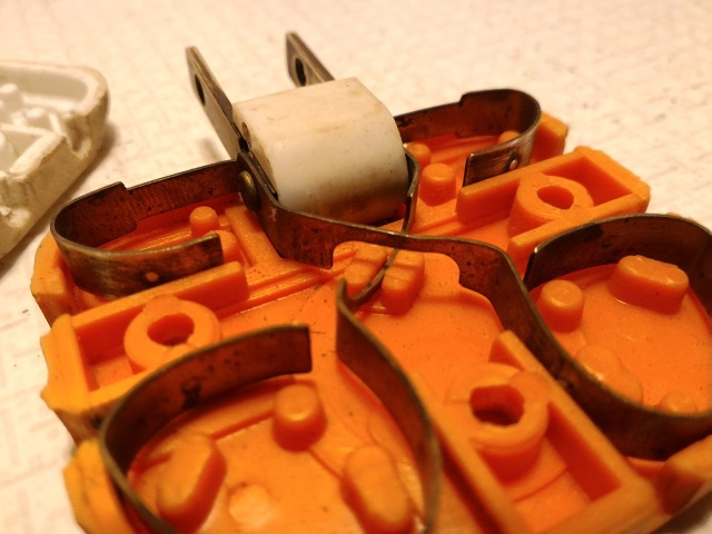 多孔插座10