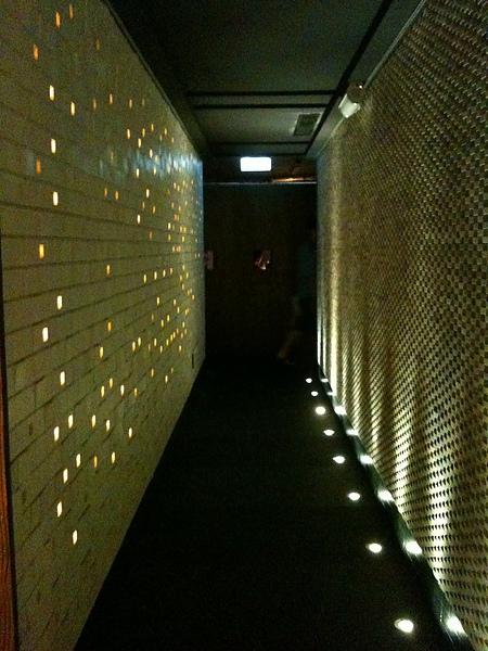 一進門的走廊