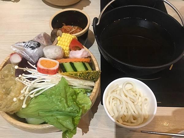 菜盤-台中猴吃鍋.jpg