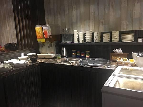 簡易沙拉吧台-傳品牛排.jpg