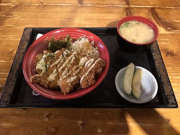 炸豬排丼飯-宜蘭山拉麵.jpg
