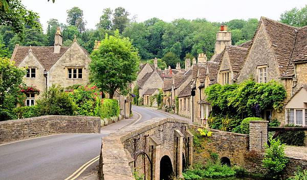 Cotswolds-Photo.jpg