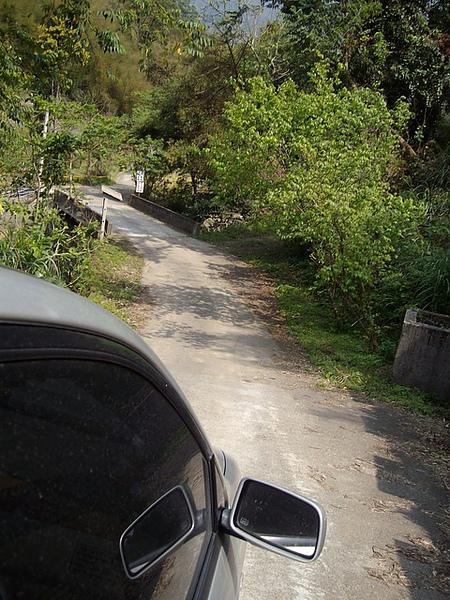 真的很陡很陡~很窄很窄~