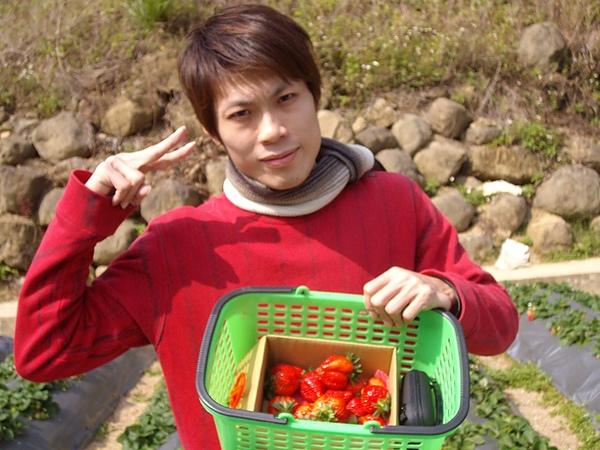 精挑細選的Aries跟精挑細選的草莓