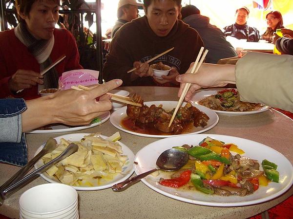 我們點了3000元的菜,也換了很多菜XD