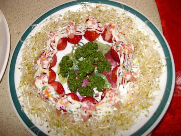 真的有草莓跟蝦唷!